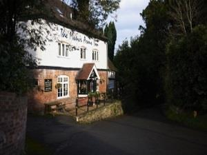 The Manor Arms – Drinking