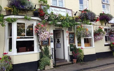 The Mug House Inn – Drinking