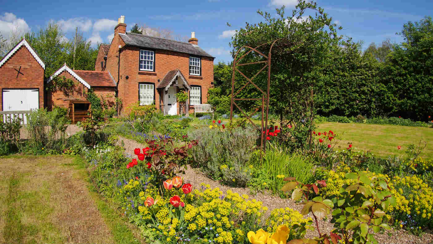Cottage Garden 170418 6 Credit Peter Young